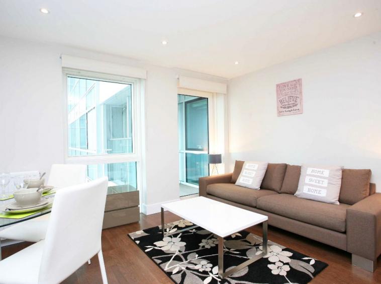 E1- Living Room