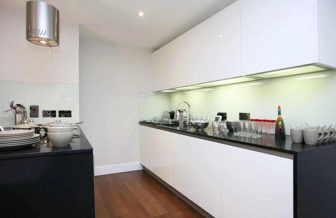 E1- Kitchen 4